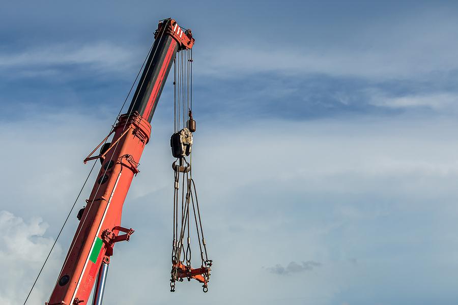industrial hoist and crane, Industrial Hoist and Crane Operation – Ensuring Load Control, SISSCO Hoist